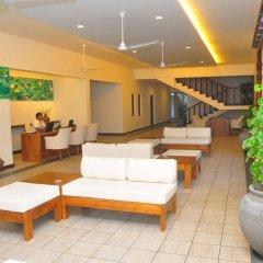Отель Mermaid Hotel & Club Шри-Ланка, Ваддува - отзывы, цены и фото номеров - забронировать отель Mermaid Hotel & Club онлайн интерьер отеля