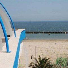 Hotel Costazzurra Римини пляж