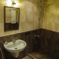 Отель Gloria Palace Hotel Болгария, София - 3 отзыва об отеле, цены и фото номеров - забронировать отель Gloria Palace Hotel онлайн ванная фото 2