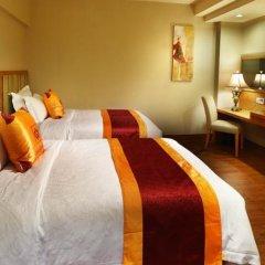 Guangzhou The Royal Garden Hotel сейф в номере