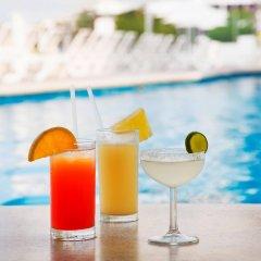 Отель Calinda Beach Acapulco бассейн