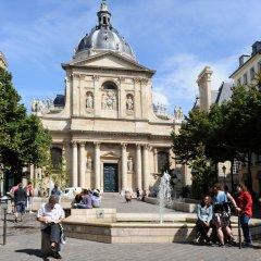 Отель Lokappart Quartier Latin Париж спортивное сооружение