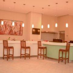 Отель Les Jardins De Toumana Тунис, Мидун - отзывы, цены и фото номеров - забронировать отель Les Jardins De Toumana онлайн гостиничный бар