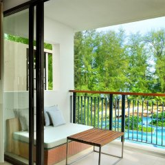 Отель Holiday Inn Resort Phuket Mai Khao Beach пляж Май Кхао балкон