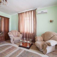 Гостиница Family-Hotel в Кургане отзывы, цены и фото номеров - забронировать гостиницу Family-Hotel онлайн Курган комната для гостей фото 2