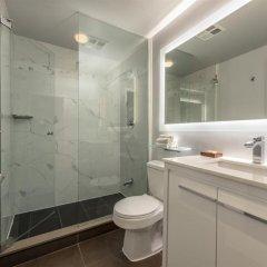 Отель Executive Hotel Cosmopolitan Toronto Канада, Торонто - отзывы, цены и фото номеров - забронировать отель Executive Hotel Cosmopolitan Toronto онлайн ванная фото 2