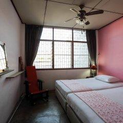 Отель Phuket 43 Guesthouse комната для гостей