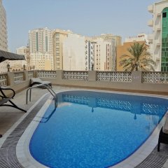 Baiti Hotel Apartments бассейн