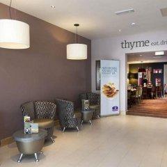 Отель Premier Inn London Stansted Airport интерьер отеля