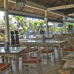 Отель Bayshore Villas Candi Dasa Индонезия, Бали - отзывы, цены и фото номеров - забронировать отель Bayshore Villas Candi Dasa онлайн питание фото 2