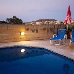 Отель Razzett Ta Pawlu Мальта, Арб - отзывы, цены и фото номеров - забронировать отель Razzett Ta Pawlu онлайн бассейн