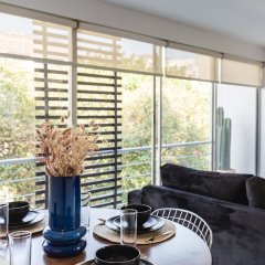 Апартаменты Bright 2BR Condesa Apartment With Balcony Мехико комната для гостей фото 5