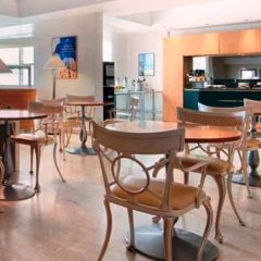 Отель Hilton Rome Airport гостиничный бар