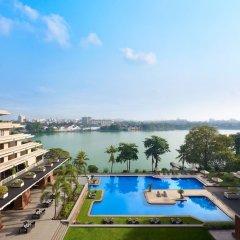 Отель Cinnamon Lakeside Colombo Шри-Ланка, Коломбо - 2 отзыва об отеле, цены и фото номеров - забронировать отель Cinnamon Lakeside Colombo онлайн балкон