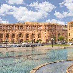 Отель Marriott Armenia Hotel Yerevan Армения, Ереван - 12 отзывов об отеле, цены и фото номеров - забронировать отель Marriott Armenia Hotel Yerevan онлайн бассейн фото 2