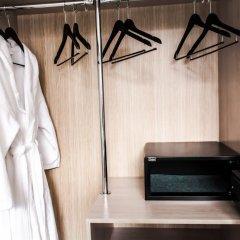 Гостиница Alm сейф в номере