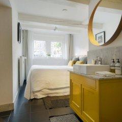 Отель CoHo Suites Нидерланды, Амстердам - 1 отзыв об отеле, цены и фото номеров - забронировать отель CoHo Suites онлайн ванная