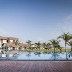 Отель The Calm Resort & Spa бассейн фото 3