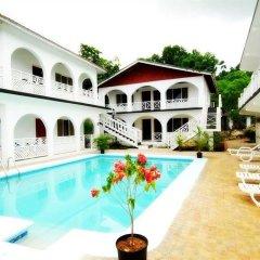 Отель Khus Khus Negril бассейн