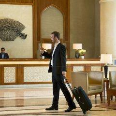 Отель Crowne Plaza Jordan Dead Sea Resort & Spa Иордания, Сваймех - отзывы, цены и фото номеров - забронировать отель Crowne Plaza Jordan Dead Sea Resort & Spa онлайн интерьер отеля фото 3