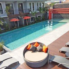 Отель The Lake Chalong Resort бассейн