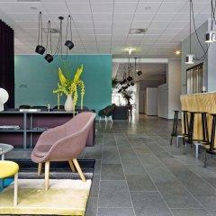 Отель Comwell Aarhus Дания, Орхус - отзывы, цены и фото номеров - забронировать отель Comwell Aarhus онлайн гостиничный бар