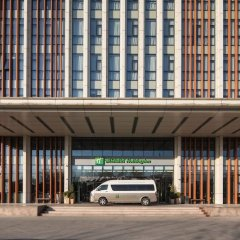 Отель Holiday Inn Beijing Airport Zone парковка