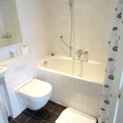 Отель Park Plantage Нидерланды, Амстердам - 9 отзывов об отеле, цены и фото номеров - забронировать отель Park Plantage онлайн ванная фото 2