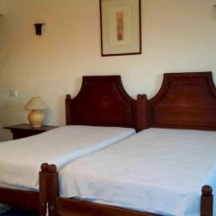 Отель Estalagem de Monsaraz Португалия, Регенгуш-ди-Монсараш - отзывы, цены и фото номеров - забронировать отель Estalagem de Monsaraz онлайн комната для гостей