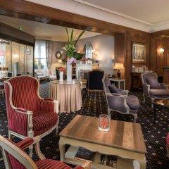 Отель Hôtel Claridge гостиничный бар