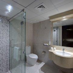 Отель Tulip Inn Sharjah ОАЭ, Шарджа - 9 отзывов об отеле, цены и фото номеров - забронировать отель Tulip Inn Sharjah онлайн ванная