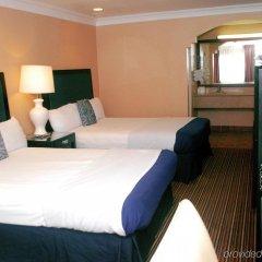 Отель Hollywood Inn Express South США, Лос-Анджелес - отзывы, цены и фото номеров - забронировать отель Hollywood Inn Express South онлайн удобства в номере фото 2