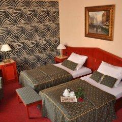 Hotel Carlton в номере