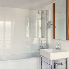 Отель Mercure Paris Opéra Garnier ванная фото 2