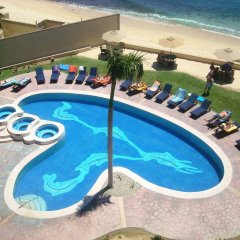 Отель Beachfront Las Olas 2bdr Condo бассейн фото 3