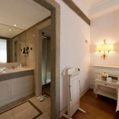 Отель Miguel Angel by BlueBay Испания, Мадрид - 2 отзыва об отеле, цены и фото номеров - забронировать отель Miguel Angel by BlueBay онлайн ванная