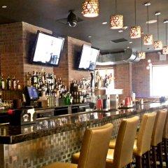 Отель Skyline Hotel США, Нью-Йорк - отзывы, цены и фото номеров - забронировать отель Skyline Hotel онлайн гостиничный бар