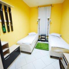 Хостел Landmark City Стандартный номер с 2 отдельными кроватями фото 2