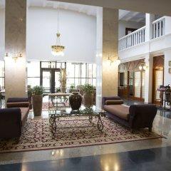 Гостиница Atyrau Hotel Казахстан, Атырау - 4 отзыва об отеле, цены и фото номеров - забронировать гостиницу Atyrau Hotel онлайн интерьер отеля фото 2