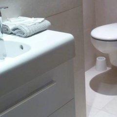 Отель De La Mer Франция, Ницца - отзывы, цены и фото номеров - забронировать отель De La Mer онлайн ванная