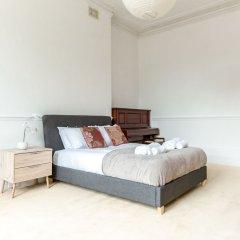 Апартаменты Spacious 1BR Period Apartment Hampstead Лондон комната для гостей фото 4