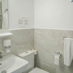 Отель Apartamentos Loar Ferreries ванная