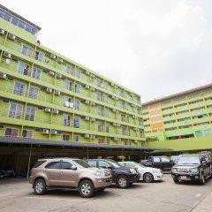 Отель The Aiyapura Bangkok парковка