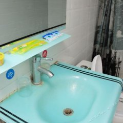 Luojiaodian Hostel ванная фото 2