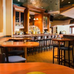 Отель Radisson Suites Tucson гостиничный бар