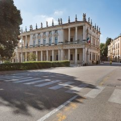 Отель Porta Padova Италия, Виченца - отзывы, цены и фото номеров - забронировать отель Porta Padova онлайн спортивное сооружение