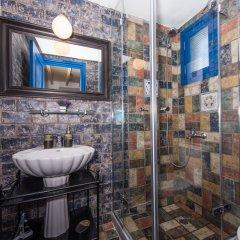 Отель Oia Sunset Villas Греция, Остров Санторини - отзывы, цены и фото номеров - забронировать отель Oia Sunset Villas онлайн ванная фото 2