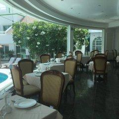 Отель Al Khalidiah Resort ОАЭ, Шарджа - 1 отзыв об отеле, цены и фото номеров - забронировать отель Al Khalidiah Resort онлайн питание