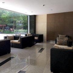 Апартаменты Bluesky Serviced Apartment Airport Plaza интерьер отеля