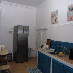 1 of Us Hostel Понта-Делгада в номере фото 2